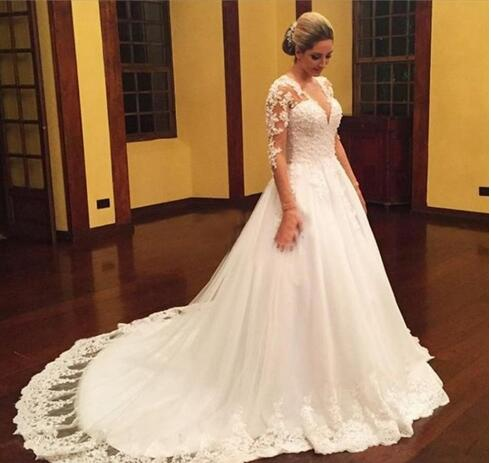 Vintage Full Lace 2018 Wedding Dresses Long Sleeves Bridal Gowns With V Neck Covered Button Court Train Long Wedding Gowns