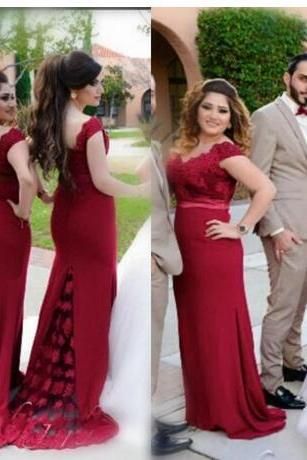 Elegant Dark Red Off Shoulder Bridesmaid Dresses For Wedding 2018 Lace Mermaid Back Covered Buttons Formal Party Gowns Evening Dresses