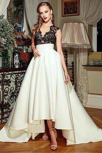 Fashionable Tulle & Satin V-Neck See-through A-Line Wedding Dresses With Lace Appliques
