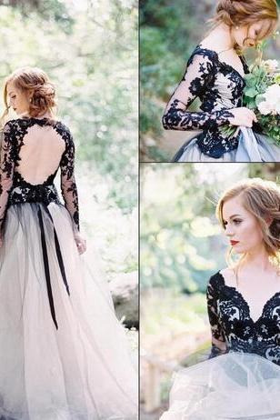 2018 Black Long Sleeves Lace A Line Wedding Dresses Off The Shoulder Tulle Backless Court Train Wedding Bridal Gowns