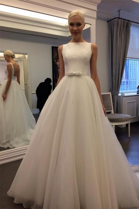 Charming Backless Sleeveless A-line Ivory Tulle Wedding Dress