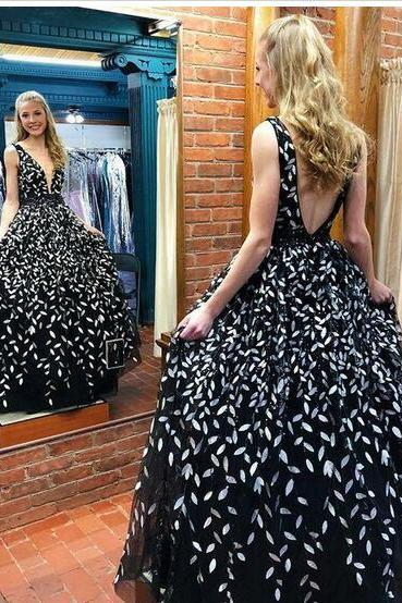 Best Selling Sexy V Neck Backless Leaves Appliques Black Long Prom Dress Elegant Evening Party Dress
