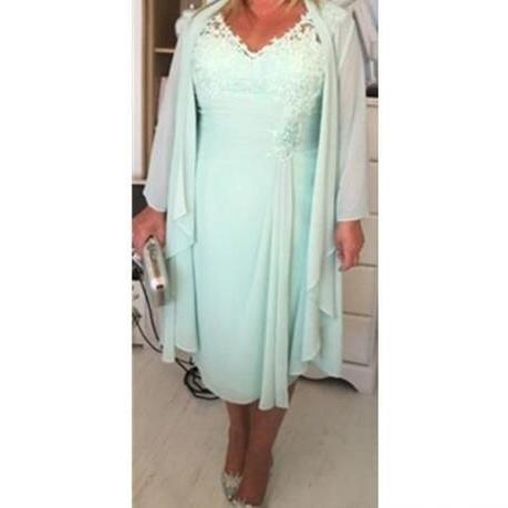 Mint Green V Neck Column Short Mother of the Bride Dresses with Wrap Plus Size Casual 2018 Chiffon Evening Gowns Lace Tea Length